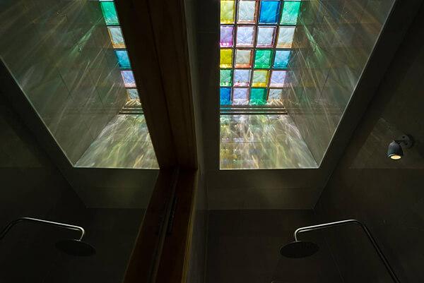 Ứng dụng gạch thủy tinh lấy sáng trong các công trình-03